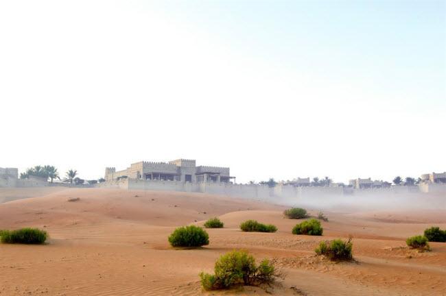Những kỳ quan ẩn náu giữa sa mạc khắp thế giới - 10