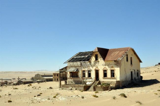 Những kỳ quan ẩn náu giữa sa mạc khắp thế giới - 15