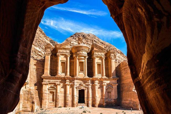Những kỳ quan ẩn náu giữa sa mạc khắp thế giới - 3
