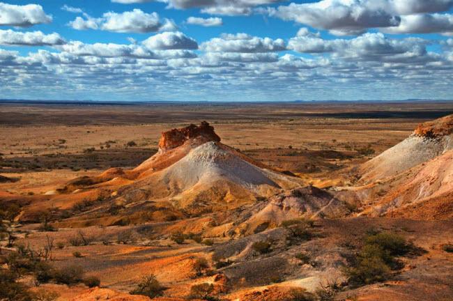 Những kỳ quan ẩn náu giữa sa mạc khắp thế giới - 8