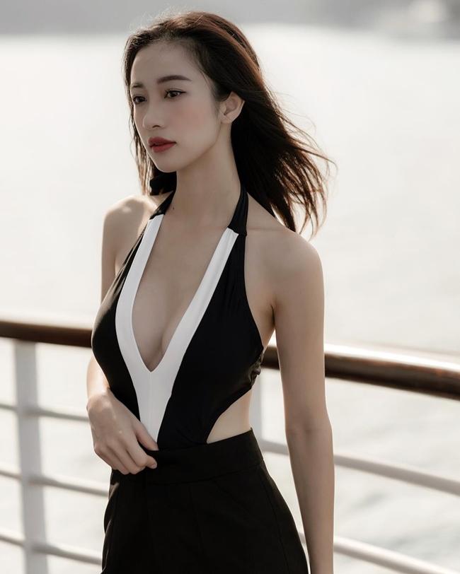 Thời điểm Jun Vũ công khai nâng ngực, nhiều dân mạng tỏ ra không đồng tình. Tuy nhiên, những hình ảnh mặc bikini cô nàng đăng tải đã phần nào chứng minh đây là quyết định khá đúng đắn.