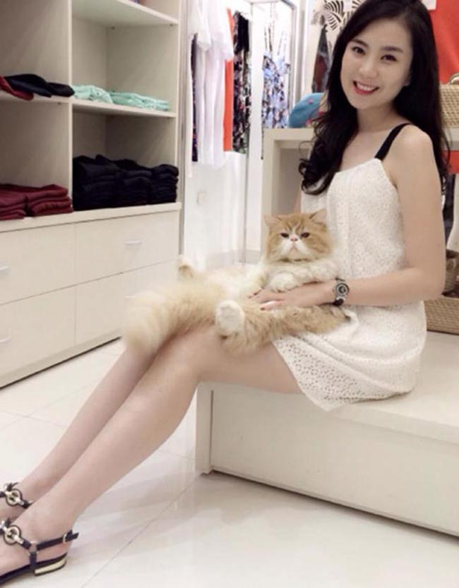 Bên cạnh công việc dẫn chương trình, Mai Ngọccòn sở hữu cửa hàng thời trang, tiệm bánh và cà phê riêng.