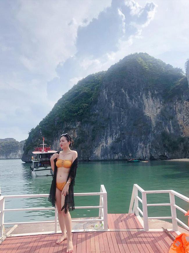 Mỗi lần khoe vóc dáng với bikini, Dương Huyền lại khiến cư dân mạng xuýt xoa.