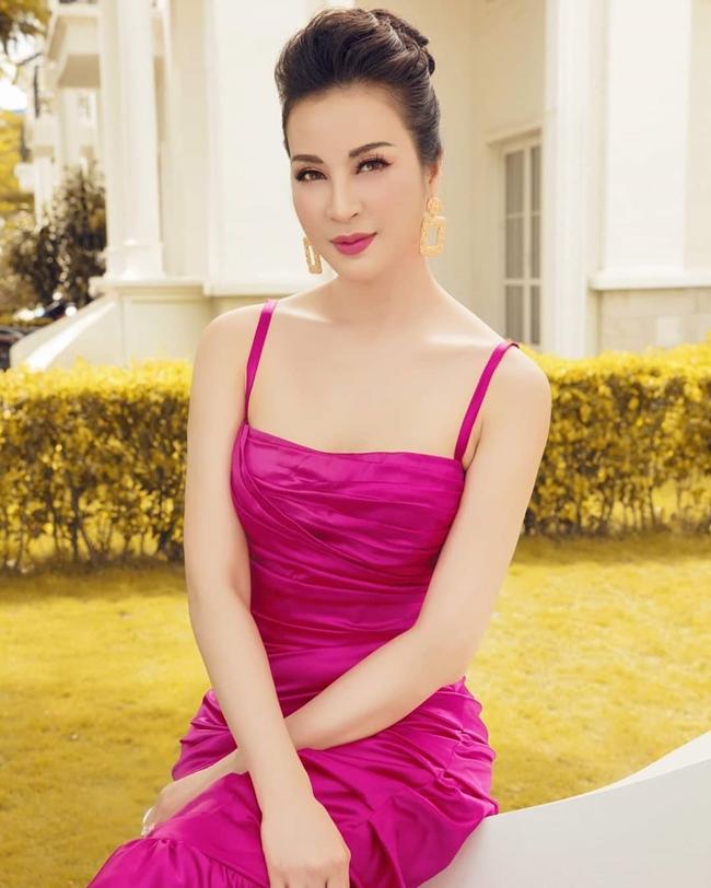 """Thanh Mai là người mẫu, diễn viên nổi tiếng thập niên 1990. Cô được biết đến với vai trò MC cho chương trình """"Sức sống mới"""" trên VTV1."""