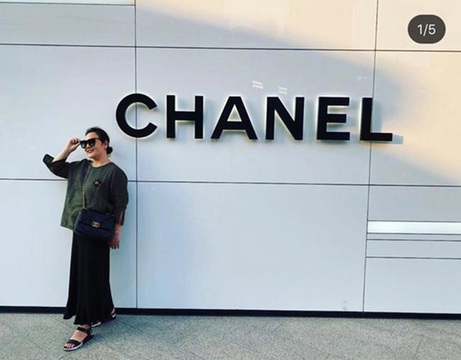 Mẹ vợ của Trấn Thànhlà fan hâm mộ của Chanel.