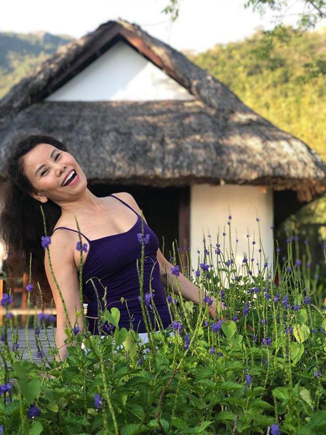 Nhờ tập luyện thể thao đều đặn, bà Ngọc Hương luôn tràn ngập năng lượng và tinh thần lạc quan.