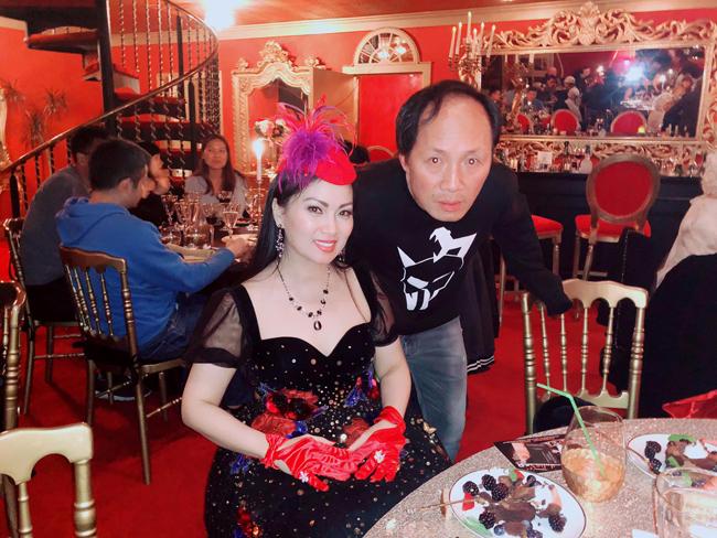 Hà Phương là một cô gái truyền thống, sống khép kín và ít chia sẻ chuyện cá nhân với truyền thông. Năm 2000, nữ ca sĩ kết hôn với doanh nhân Chính Chu – tỷ phú gốc Việt giàu nhất ở Mỹ, sau đó, cô gác lại sự nghiệp huy hoàng ở Việt Nam và sang Mỹ định cư