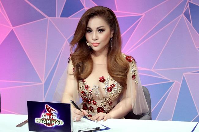 Vài năm trở lại đây, Minh Tuyết hoạt động mạnh ở thị trường Việt Nam, cô tích cực tham gia các gameshow truyền hình và biểu diễn tại các sự kiện giải trí.