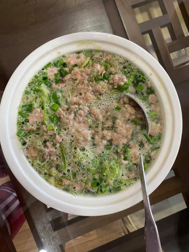 Gà luộc, giò chả thừa ngày Tết đừng bỏ đi kẻo phí, làm món này ăn vừa mát vừa ngon, nấu bao nhiêu cũng hết - 4