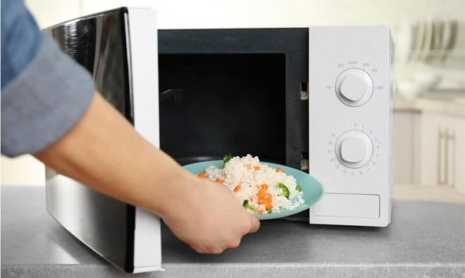 Mẹo hâm nóng lại đồ ăn an toàn, đúng cách, giữ nguyên dinh dưỡng như vừa được nấu - 4