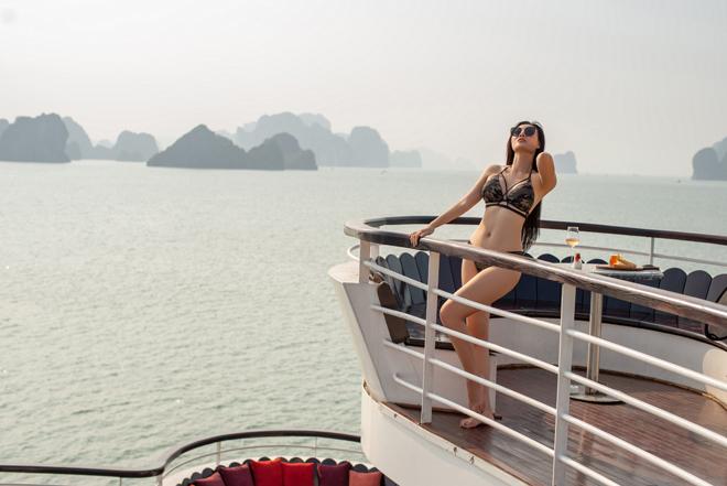 """Ảnh bikini bốc lửa của """"Lan Cave"""" Thanh Hương trên du thuyền siêu sang - 5"""