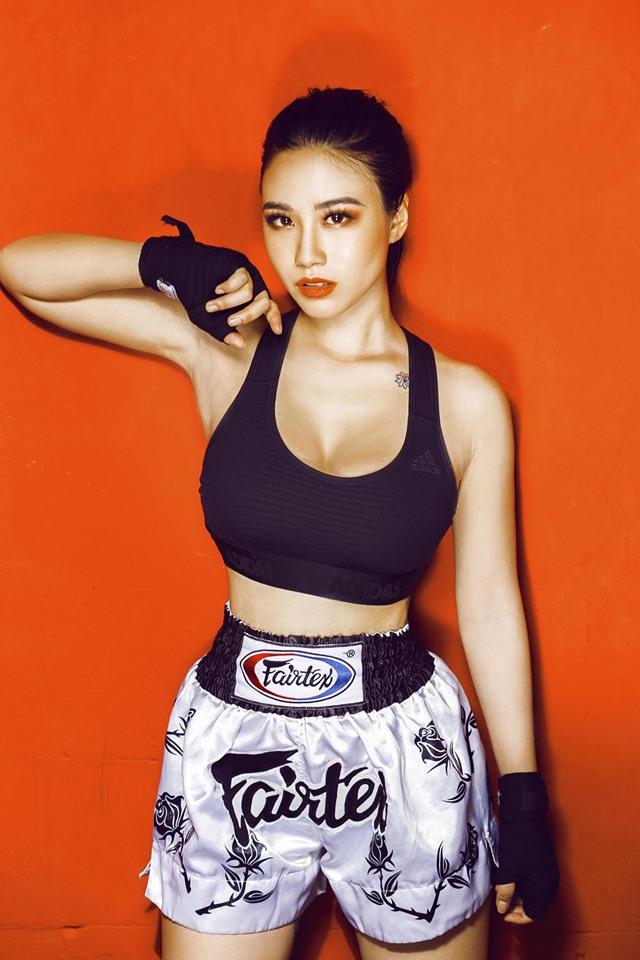 """Linh Miu để lộ hình xăm """"chỗ hiểm"""" khiến dân mạng chỉ trích - 2"""