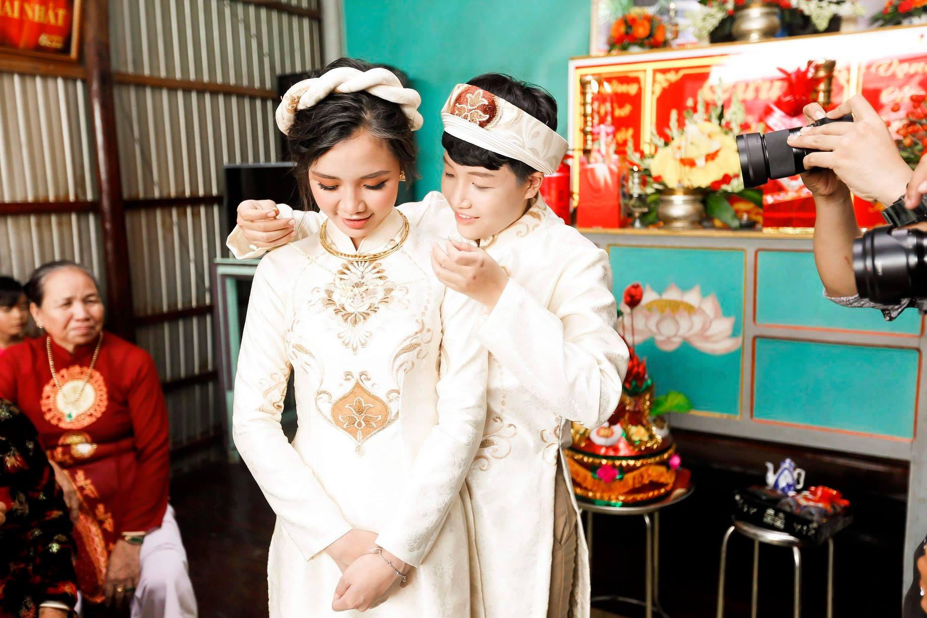 Nữ ca sĩ Việt có cuộc hôn nhân đồng tính khi mới 19 tuổi hiện sống ra sao? - 9