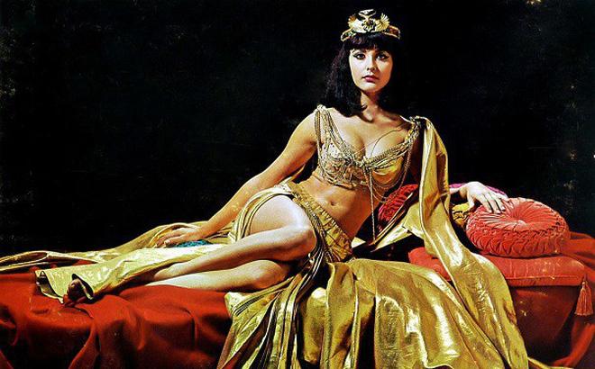 """Nữ hoàng Ai Cập ham sắc dục và độc chiêu khiến đàn ông """"say như điếu đổ"""" - 4"""