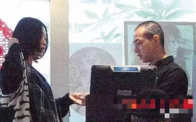 Lương bèo bọt như sao TVB: Đổ xô đi bán gà, bán cá viên chiên để mưu sinh - 2