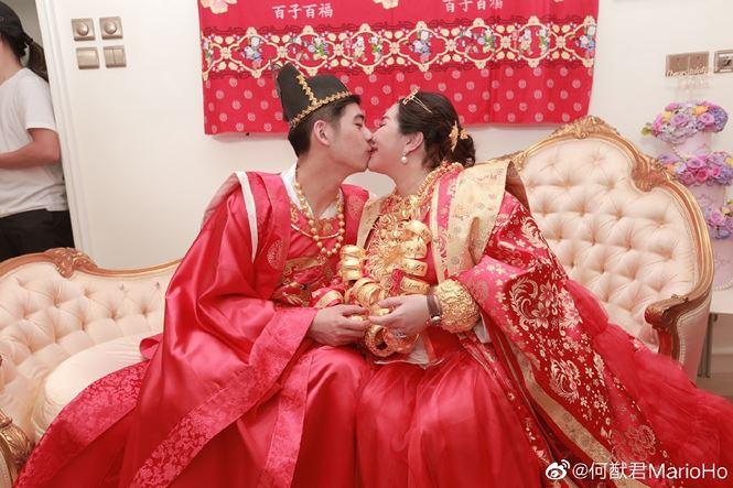 Choáng với sính lễ toàn vàng ròng trong đám cưới con gái 'vua sòng bạc Macau' - 2