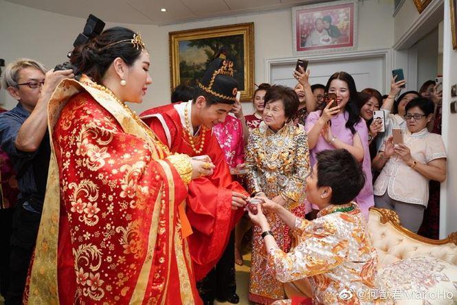 Choáng với sính lễ toàn vàng ròng trong đám cưới con gái 'vua sòng bạc Macau' - 3