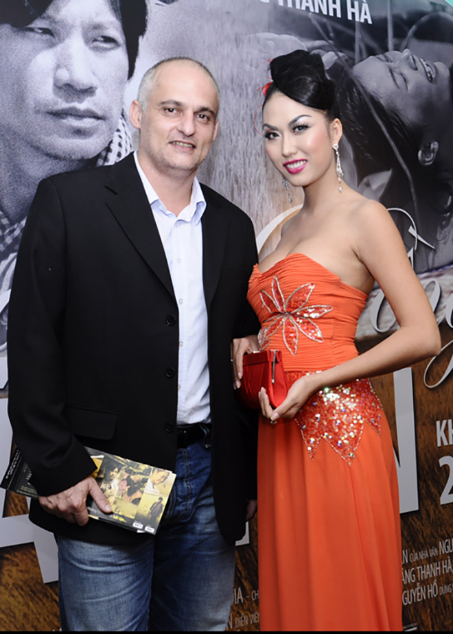Chồng cũ để lại tài sản giúp Phi Thanh Vân làm giàu bất ngờ xuất hiện ở tang lễ bố vợ - 6