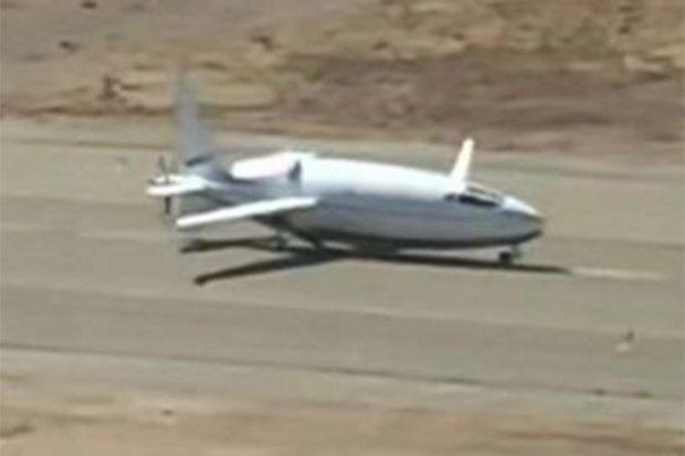"""Mỹ: Hé lộ hình ảnh máy bay """"hình viên đạn"""" tối mật chưa từng được công bố - 2"""