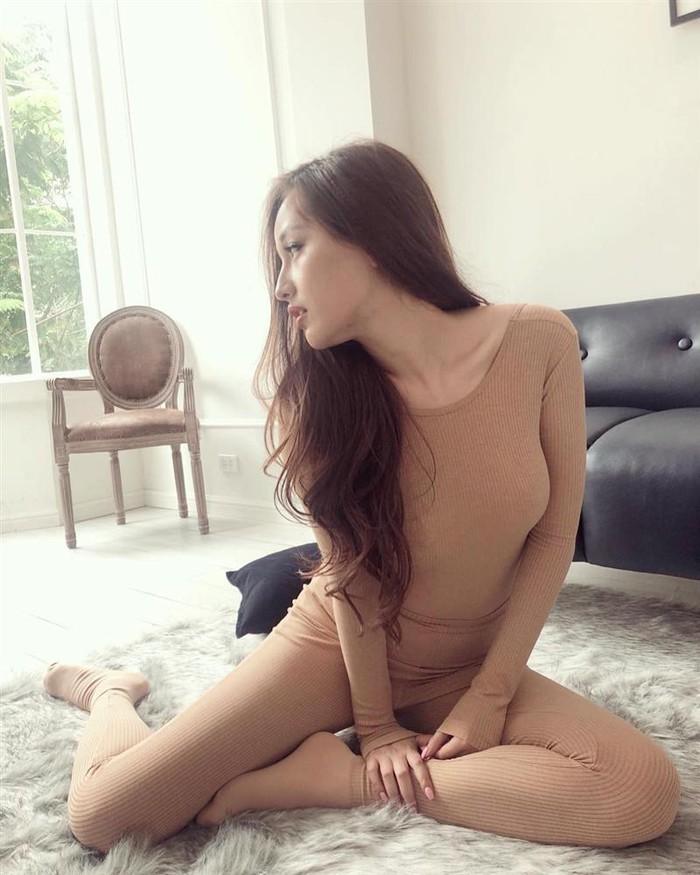 Hết hồn vì bộ đồ nude nhìn nhầm dễ hỏng mắt của người đẹp Việt - 4
