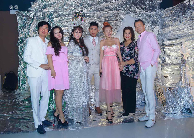 Lương Bằng Quang hoãn đám cưới với bạn gái kém 16 tuổi vì dịch Covid-19 - 3
