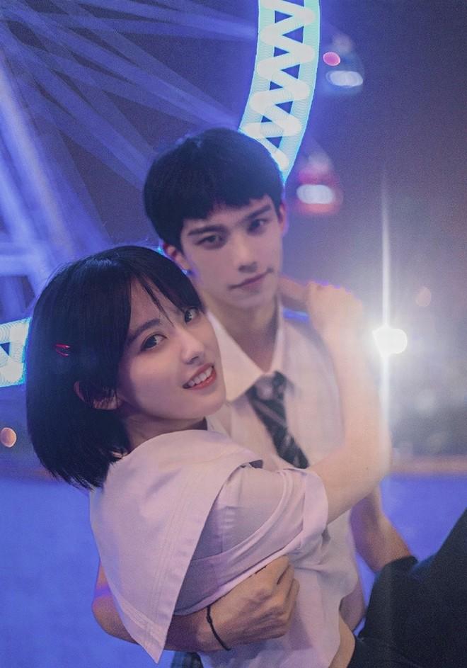 Cặp đôi nổi tiếng Trung Quốc bị fan quay lưng vì lộ nhan sắc thật - 3
