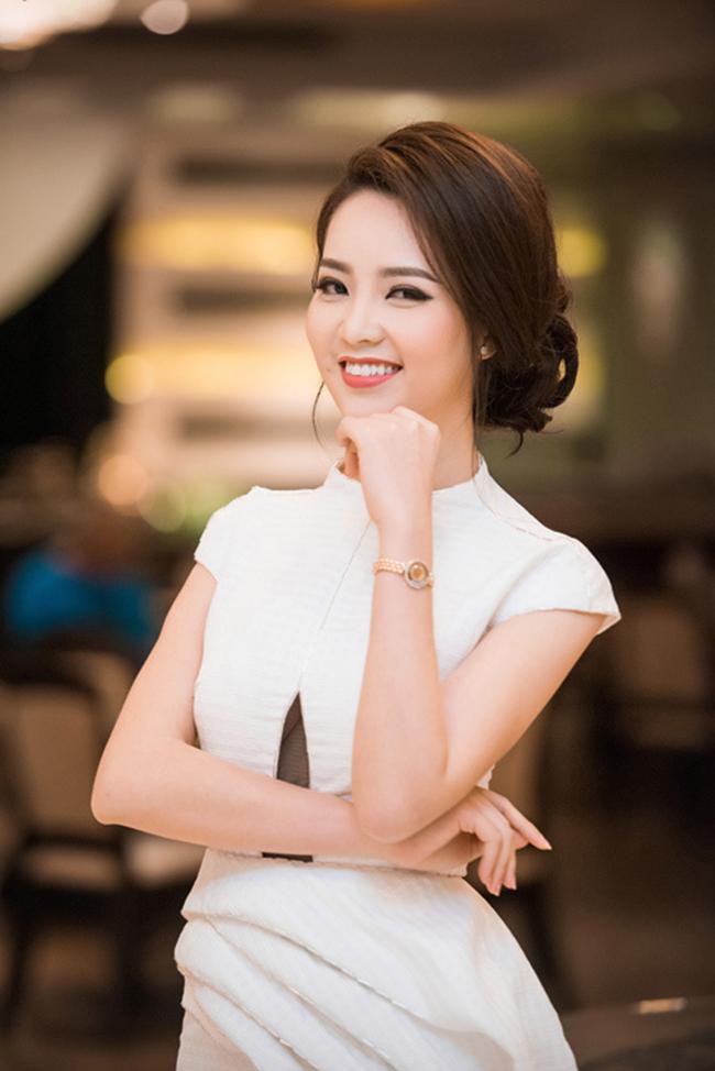 Á hậu Thụy Vân cũng xuất thân từ trường Đại học ngoại thương. Cô được coi là nữ MC nổi tiếng xinh đẹp, thành đạt ở nhà đài.