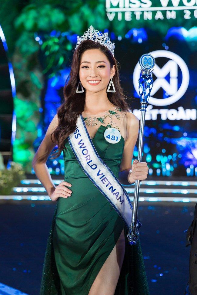 """Mới đây, """"Hoa hậu Thế giới Việt Nam 2019"""" Lương Thuỳ Linh là trường hợp tiếp theo khiến công chúng """"thót tim"""" khi công khai đăng tải bảng điểm toàn điểm 0 và điểm F."""