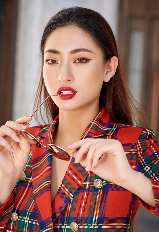 """Hiện tại, sau khi đoạt vị trí top 12 tại """"Miss World 2019"""", Lương Thuỳ Linh vẫn chăm chỉ thực hiện các hoạt động của một Hoa hậu đương nhiệm, song song với việc học tại trường."""