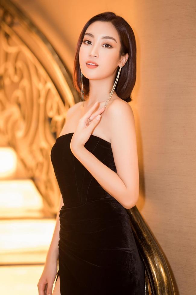 """Đặc biệt, Hoa hậu cũng chăm chút nhiều hơn cho ngoại hình. Thời gian gần đây, Đỗ Mỹ Linh còn gây chú ý khi rất chịu chi cho túi xách hàng hiệu, khác hẳn hình ảnh """"Hoa hậu nghèo"""" lúc trước."""