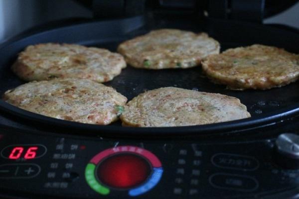Cách làm bánh khoai tây cay giòn, nóng hổi trong nháy mắt cho bữa sáng cực ngon - 4