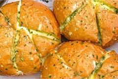 Cách làm bánh mì bơ tỏi phô mai bằng nồi chiên không dầu