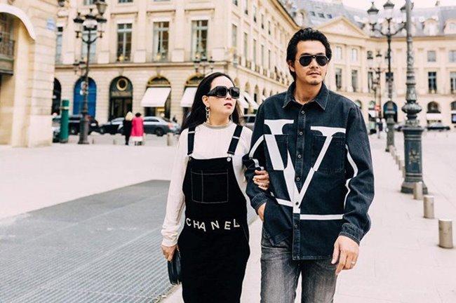 Từ lúc gặp và yêu Phượng Chanel, Quách Ngọc Ngoan thườngtháp tùng nữ doanh nhân đi đây đó, anh có một cuộc sống sang chảnh và thoải mái về mặt vật chất.