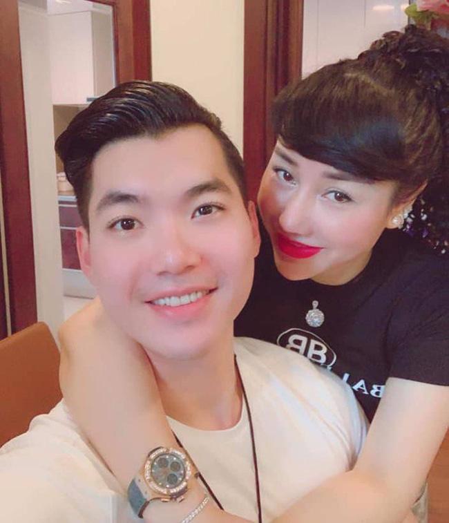 Từ khi yêu và cưới nữ đại gia giàu có này, cuộc sống của Trương Nam Thanh đã thay đổi. Anh không còn hoạt động trong làng giải trí phía Nam mà chuyển hẳn ra Hà Nội sinh sống.