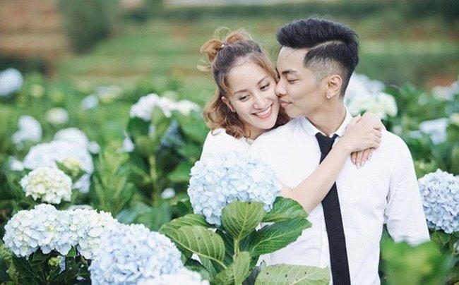 """Không chỉ chênh lệch về tuổi tác, gia thế giàu có của cậu người yêu học trò cũng từng khiến Khánh Thi chịu không ít dị nghị. Theo đó, nữ kiện tướng dance sport bị mang tiếng """"kết hôn với học trò vì tiền""""."""