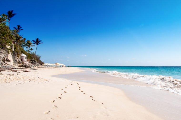 Những bãi biển màu hồng dành cho du khách ưa lãng mạn - 10