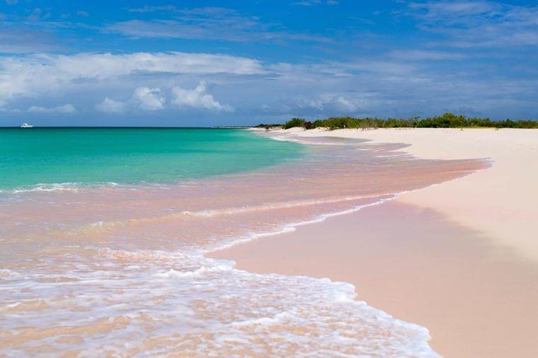 Những bãi biển màu hồng dành cho du khách ưa lãng mạn - 3