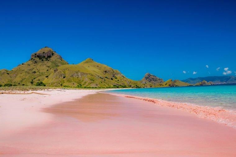 Những bãi biển màu hồng dành cho du khách ưa lãng mạn - 5