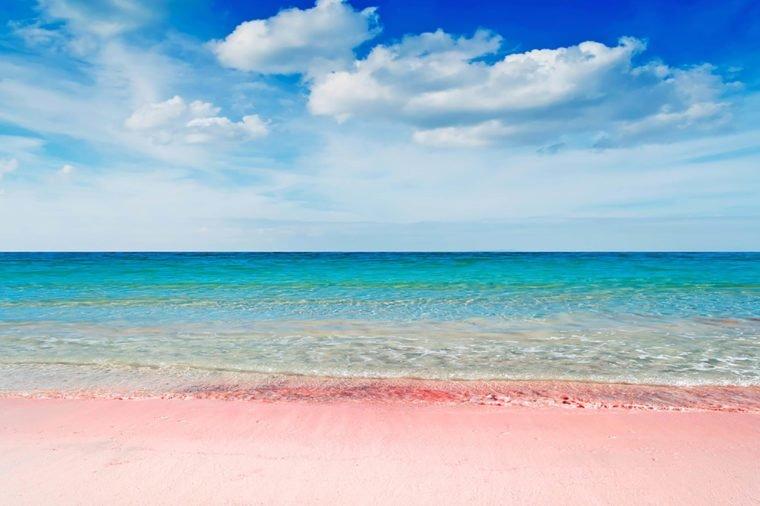 Những bãi biển màu hồng dành cho du khách ưa lãng mạn - 6