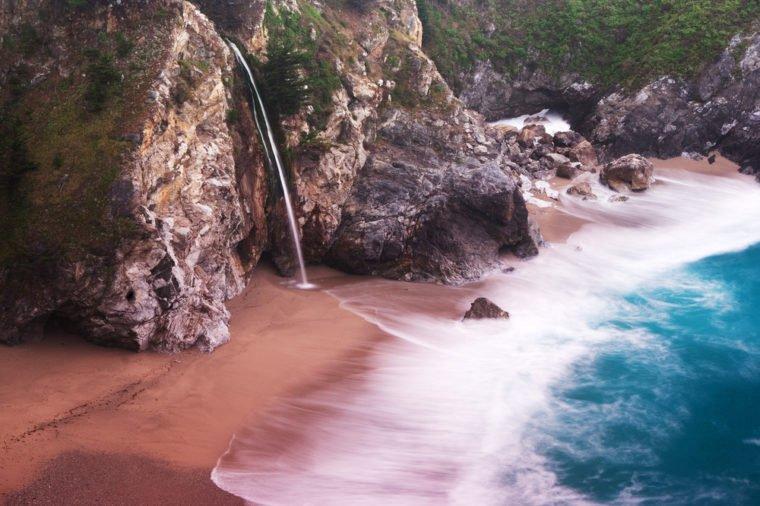 Những bãi biển màu hồng dành cho du khách ưa lãng mạn - 7