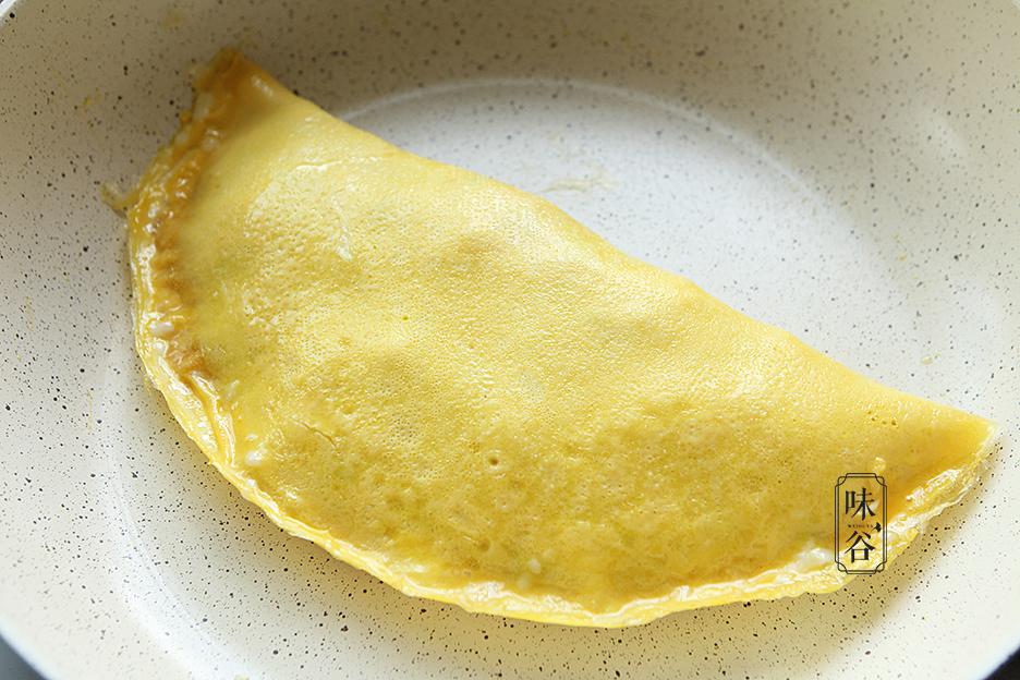 Tận dụng cơm thừa làm món trứng bọc cơm siêu hấp dẫn - 8