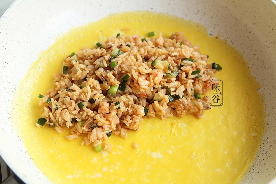 Tận dụng cơm thừa làm món trứng bọc cơm siêu hấp dẫn - 7