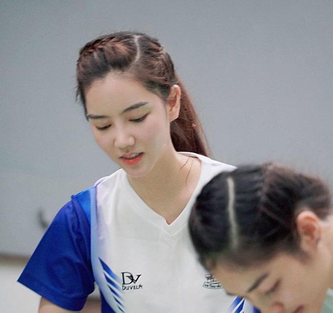 """Richy Oranate (25 tuổi) được mệnh danh là """"ngọc nữ làng cầu lông Thái Lan""""."""