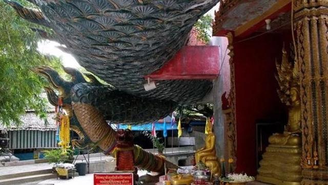 Ngôi đền có 1-0-2 ở Thái Lan, được bao quanh bởi một con rồng khổng lồ - 3