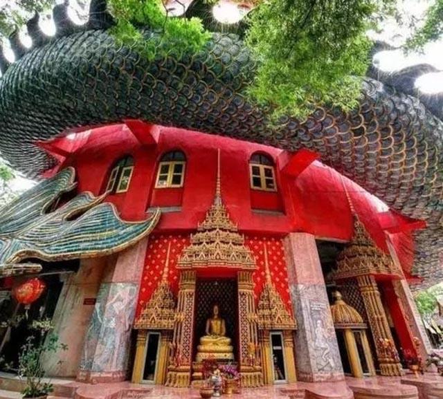 Ngôi đền có 1-0-2 ở Thái Lan, được bao quanh bởi một con rồng khổng lồ - 4