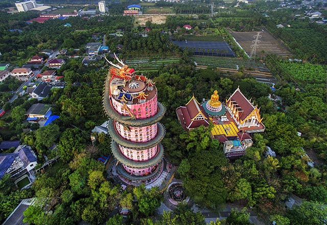 Ngôi đền có 1-0-2 ở Thái Lan, được bao quanh bởi một con rồng khổng lồ - 1