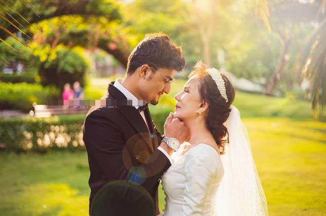Cô dâu 65 tuổi tung bộ ảnh cưới ôm hôn chồng ngoại quốc 24 tuổi - 5