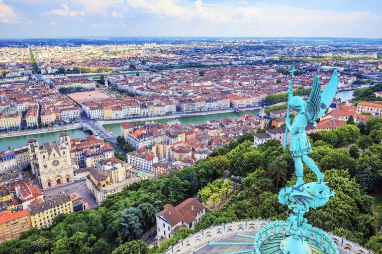 12 thị trấn tuyệt đẹp không thể bỏ qua khi tới Pháp - 3