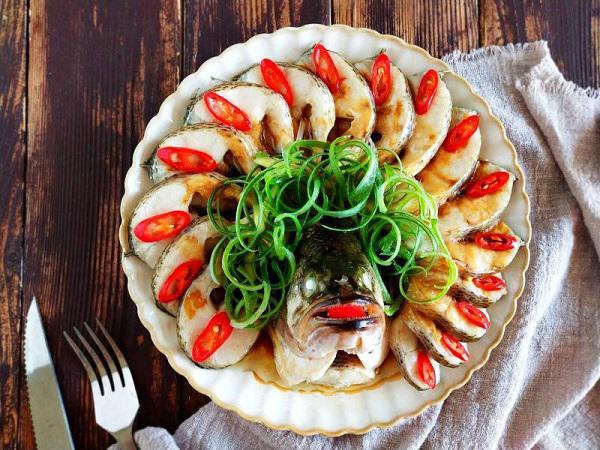 Bữa trưa không dầu mỡ với món cá hấp, ai ăn cũng tấm tắc khen - 4
