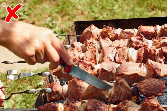 9 sai lầm khiến bạn làm món thịt xiên nướng không bao giờ ngon nổi - 9